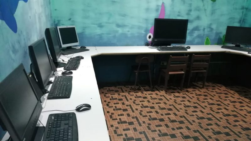 Colegio de Informáticos en alianza con la empresa privada dona computadoras a centros educativos públicos, fundaciones y Hospital Nacional de Niños